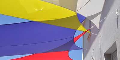 Multivoiles triangualires en extérieur